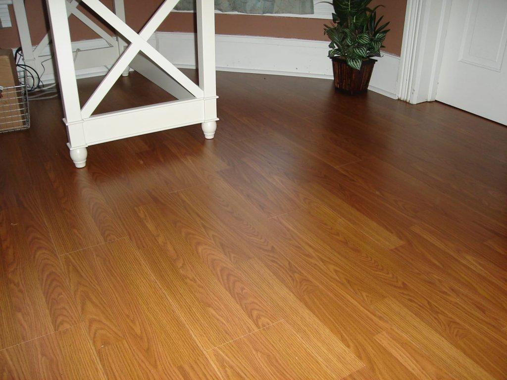 Laminate flooring installation hicksville ohio for How to install glueless laminate flooring
