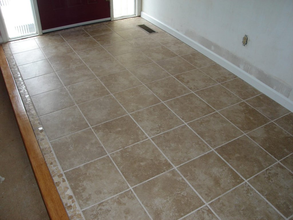 Ceramic tile floor w mosaic trim edgerton ohio for Ceramic flooring