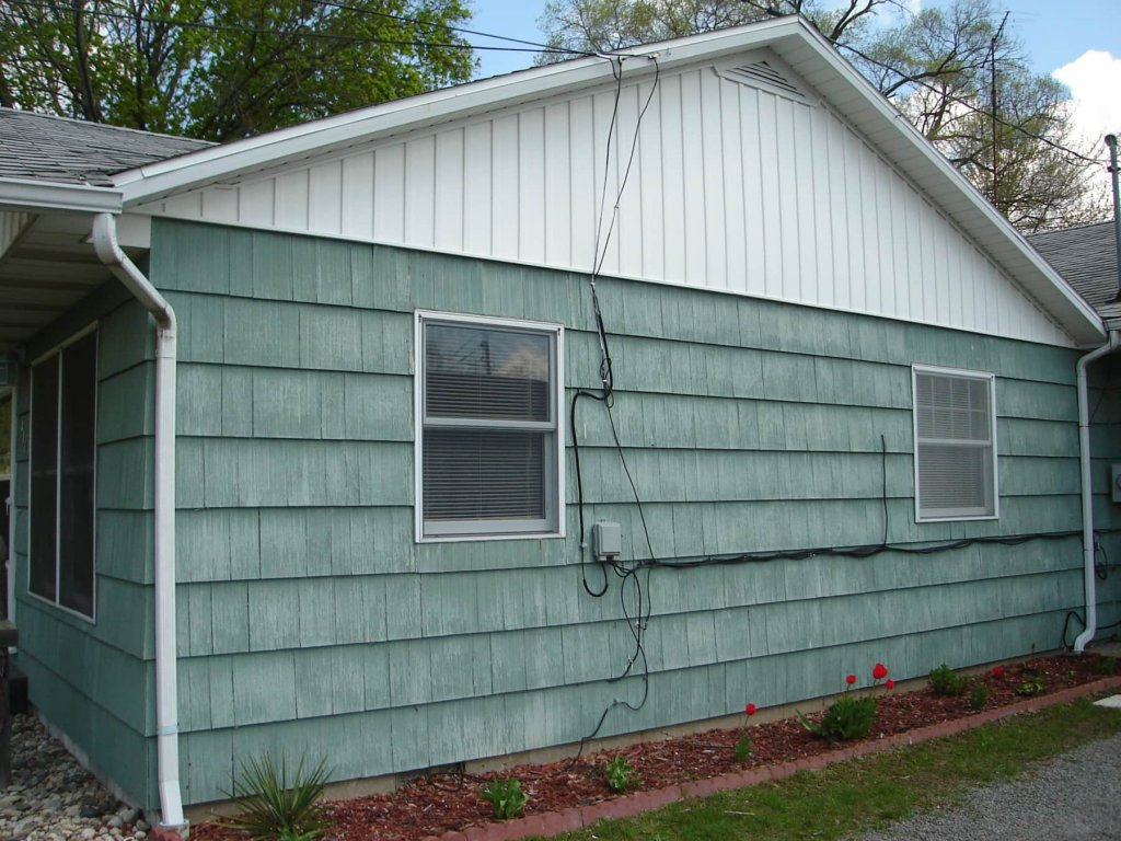 Board and batten vinyl siding cost