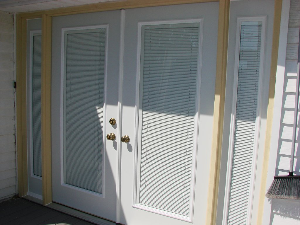 Double entry door w 14 sidelights hicksville ohio for Mastercraft storm doors