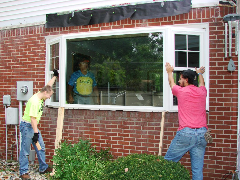 Bay window installation roof construction bryan ohio for Bay window replacement ideas