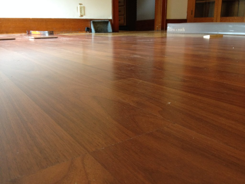 Laminate hardwood floors sheoga hardwood flooring images for Hardwood flooring deals