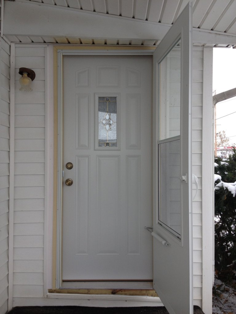Mastercraft doors your properly installed mastercraft for Mastercraft storm doors