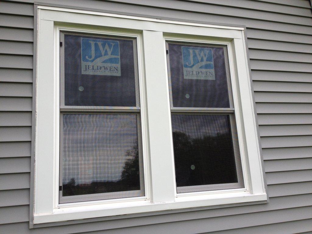 Jeldwen vinyl pocket window installation edgerton ohio for Best vinyl replacement windows