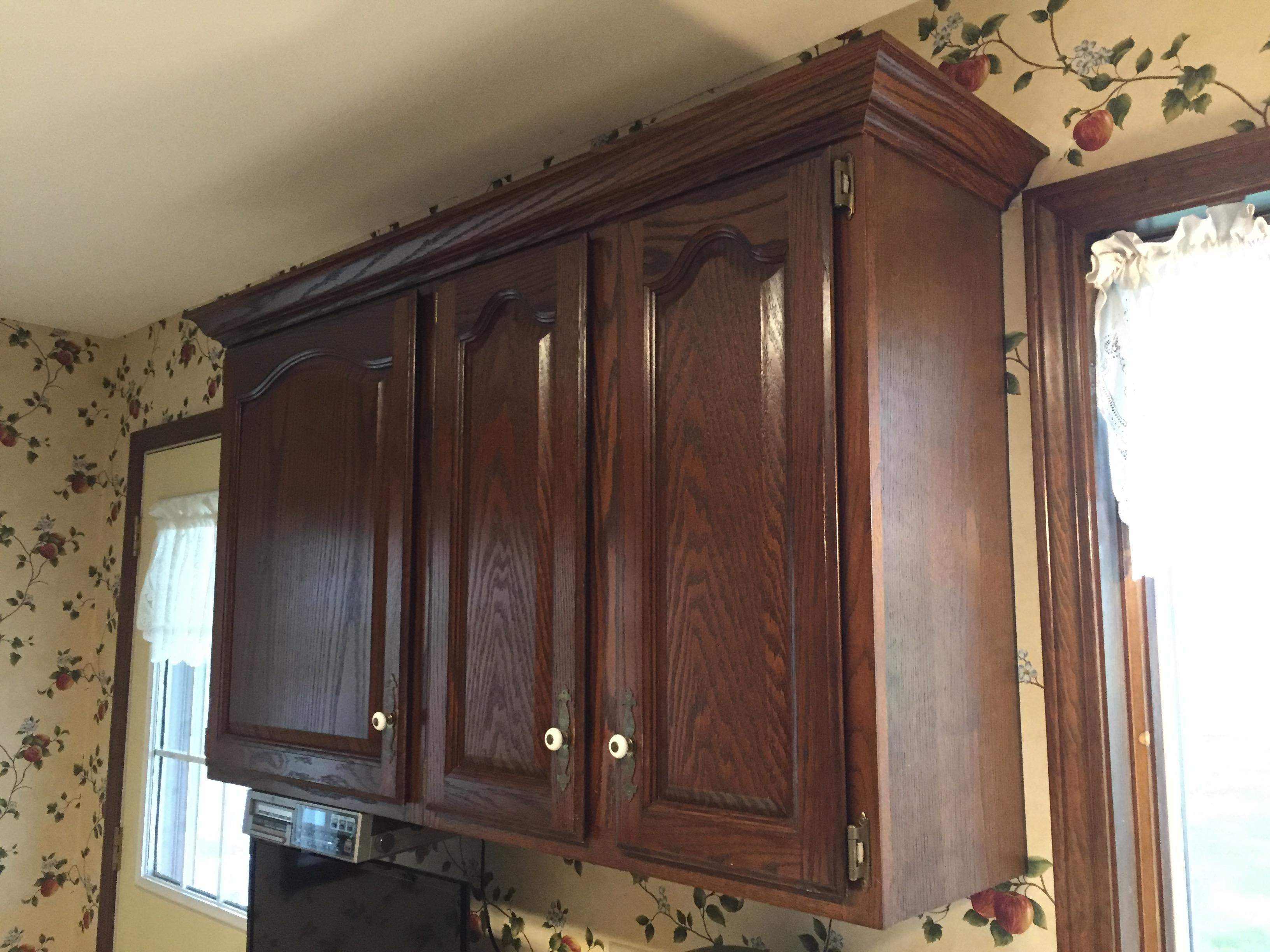 3 1/4″ Oak Crown Molding Installation – Hicksville, Ohio