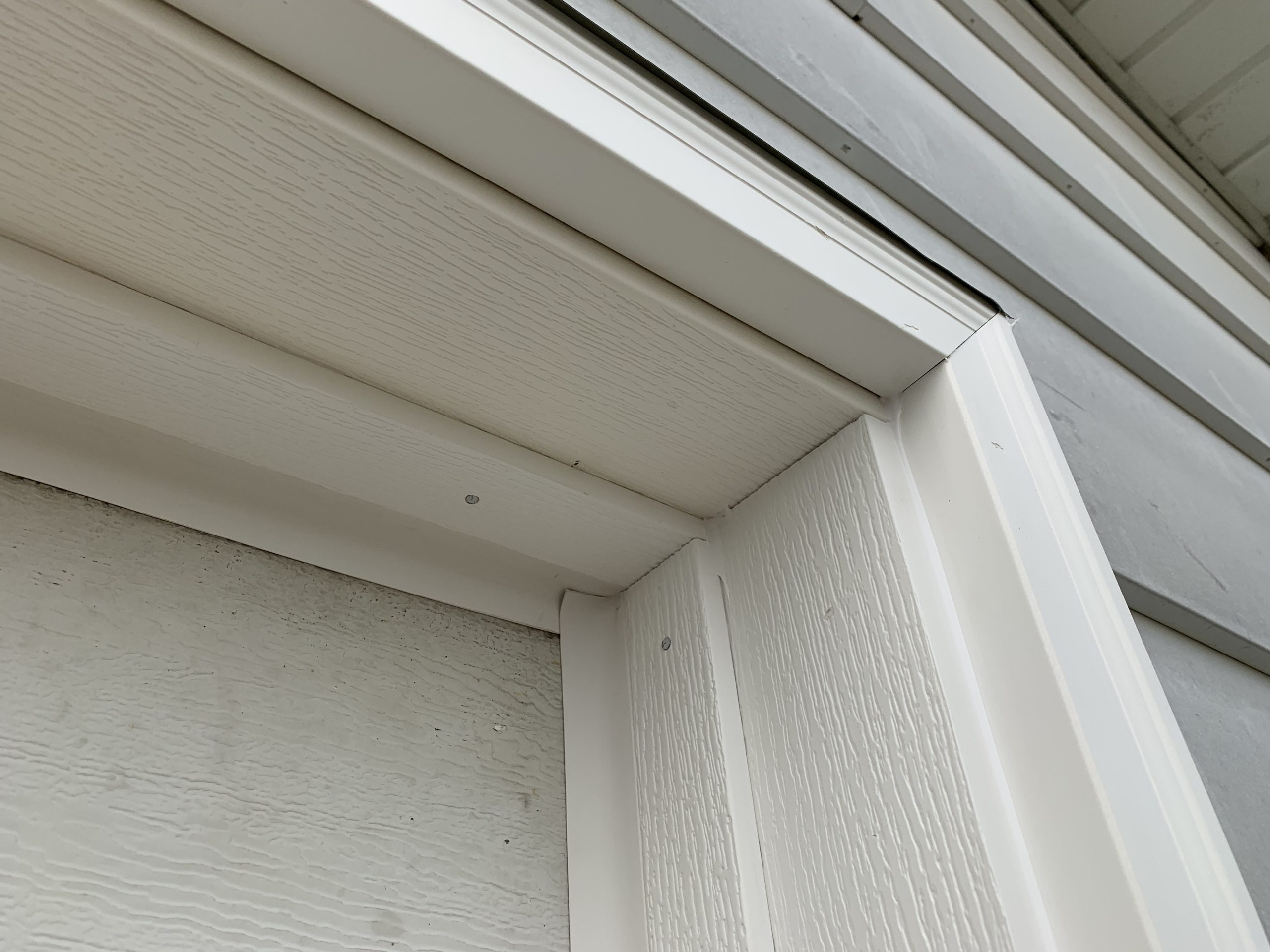Garage Door Vinyl Trim Update – Edgerton, Ohio