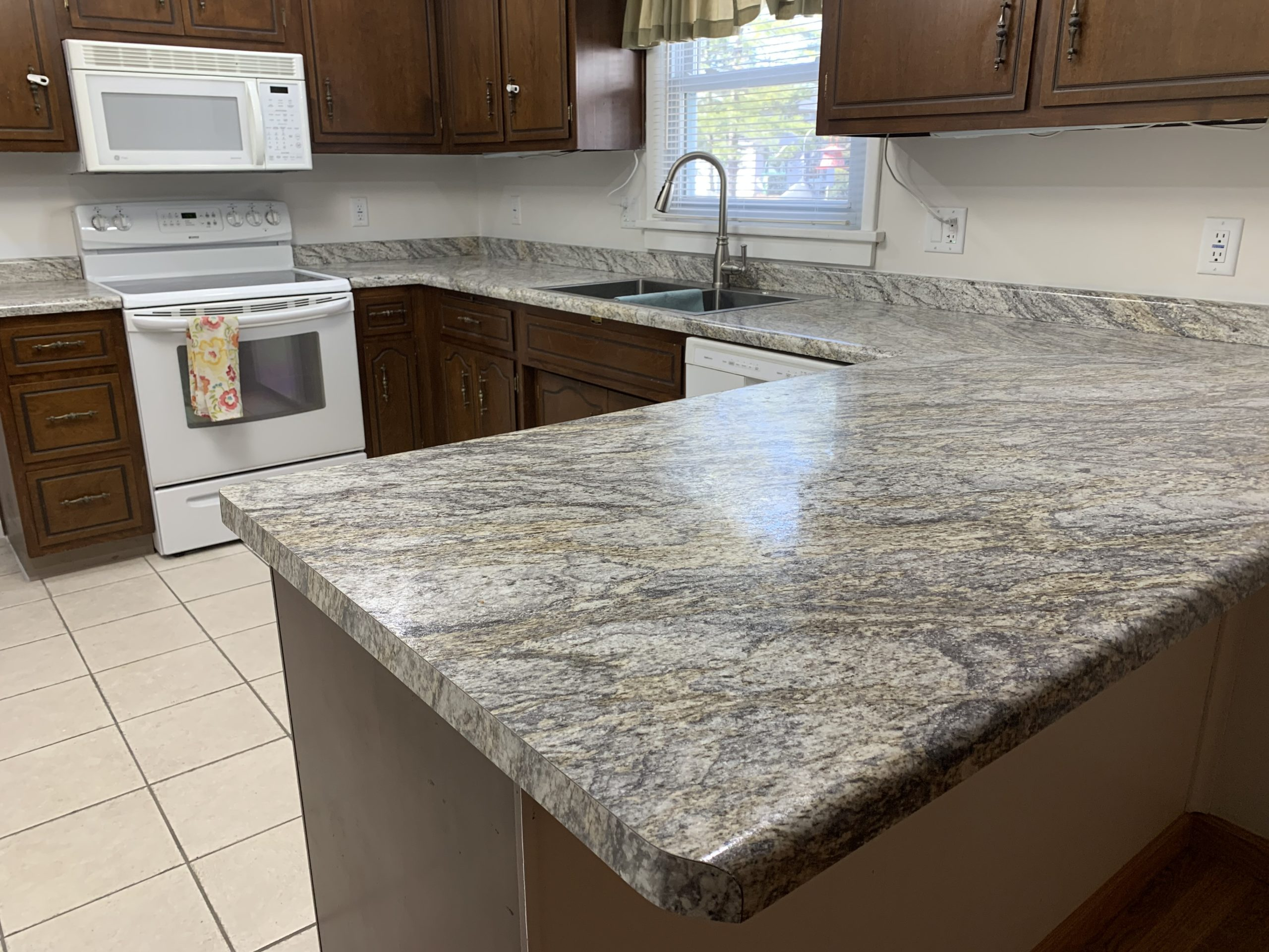 Kitchen Refurbish – High Resolution Counter Top – Bryan, Ohio